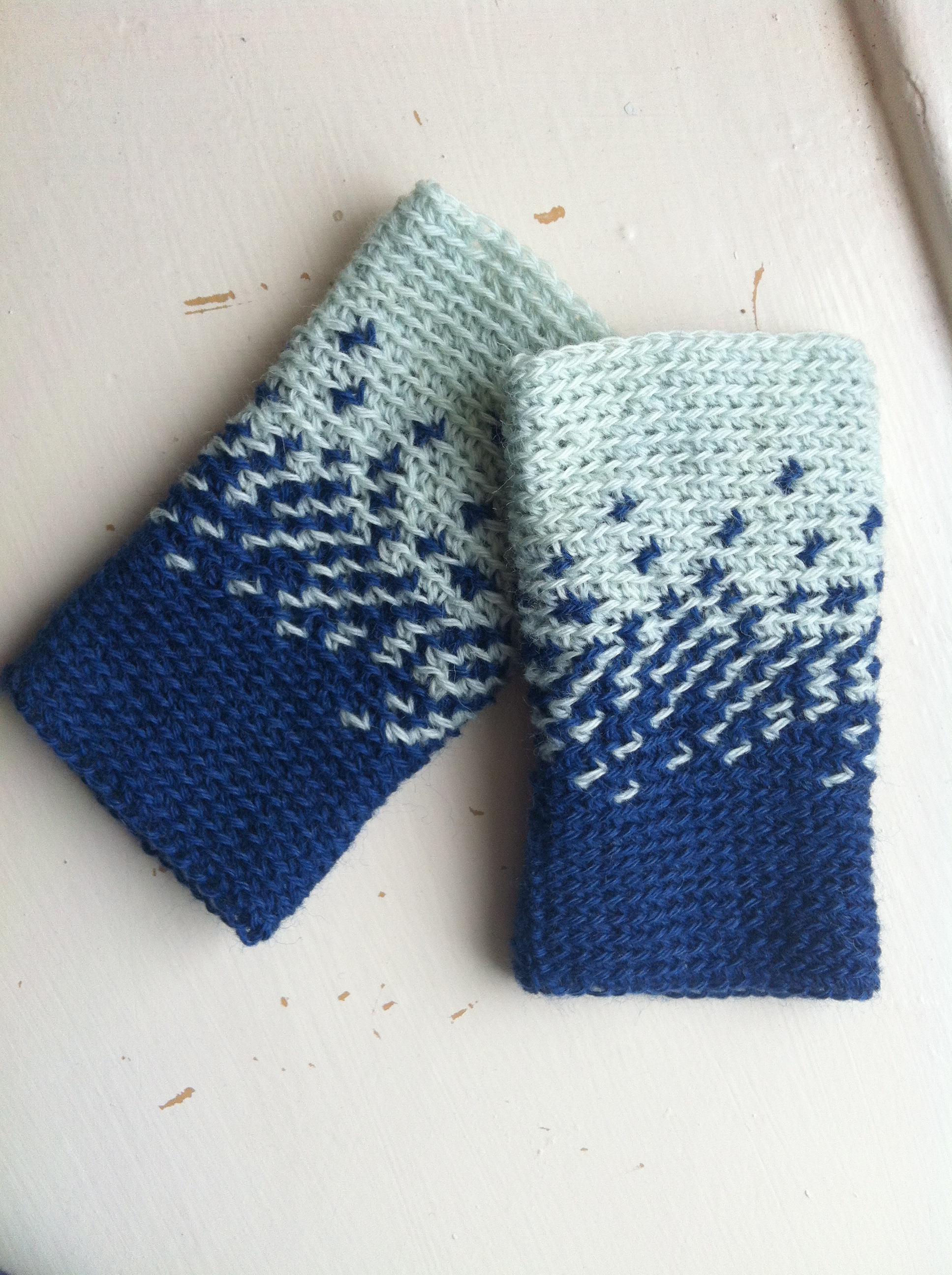 Free pattern night to day wrist warmers a crochet journey night to day wrist warmers img1679 bankloansurffo Image collections