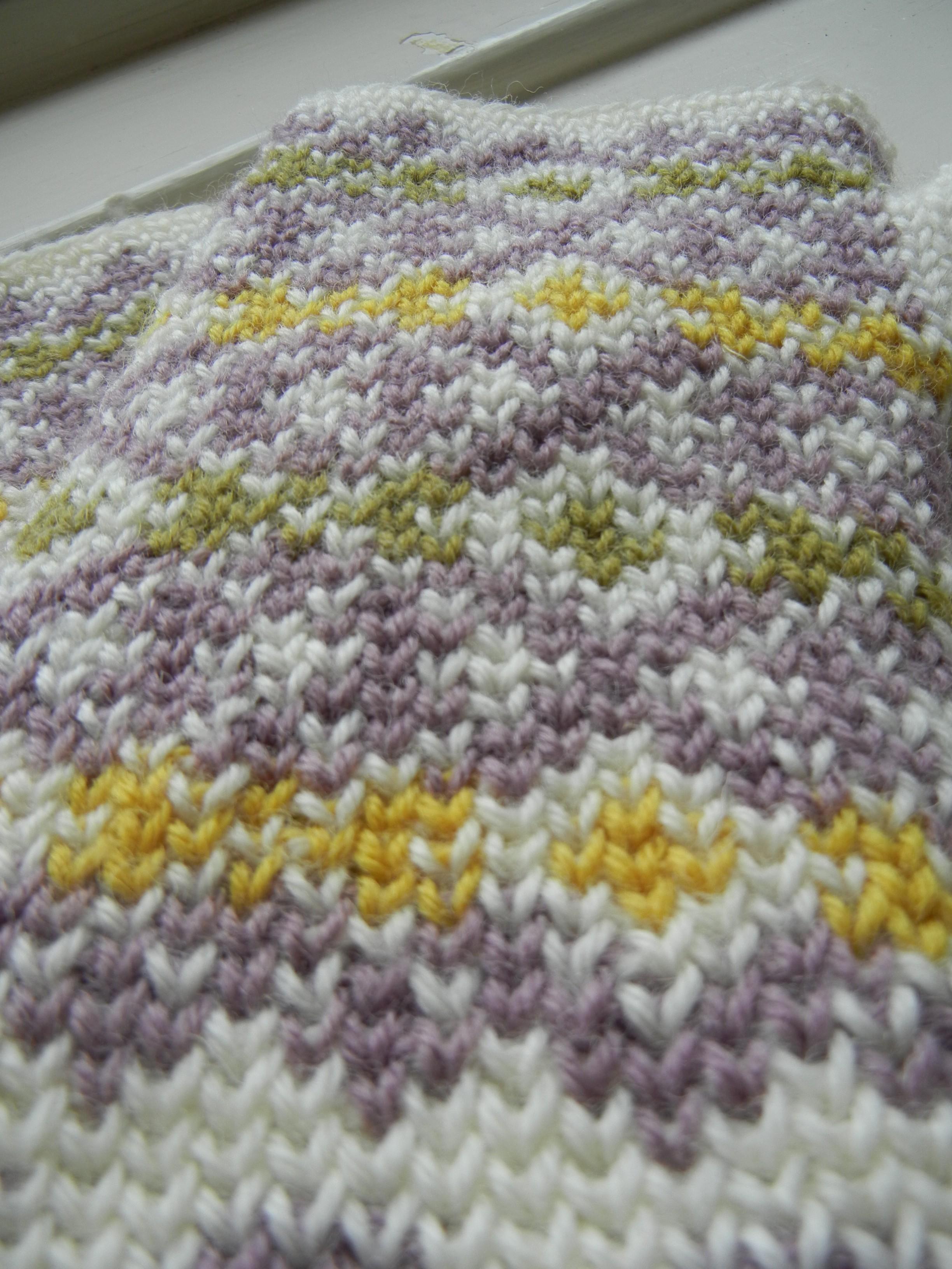 Free pattern and tutorial: Autumn Diamonds – Part I   a crochet journey