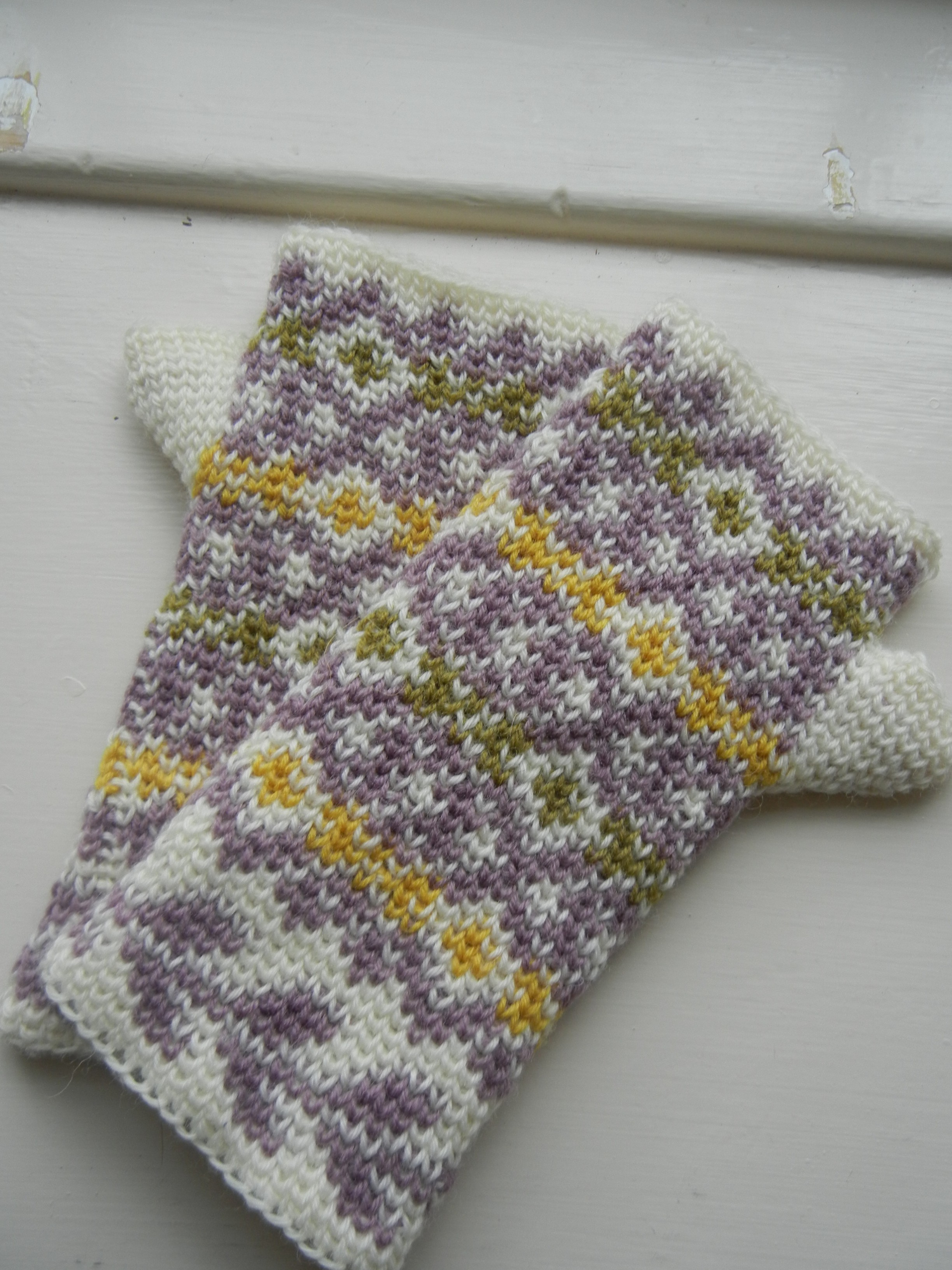 Free pattern and tutorial: Autumn Diamonds – Part I | a crochet journey