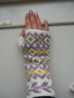 Autumn Diamonds Fingerless Mitts Tutorial Part II