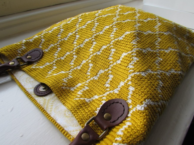 My Moroccan bag pattern uses tapestry crochet